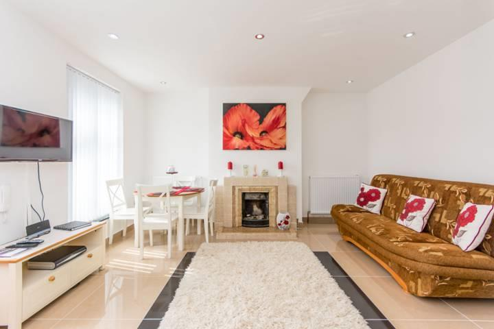 7 Bedrooms House for sale in Cecil Road, London